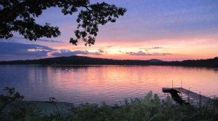 Bantam Pizza | Bantam, Litchfield | Sunset at Litchfield Lake